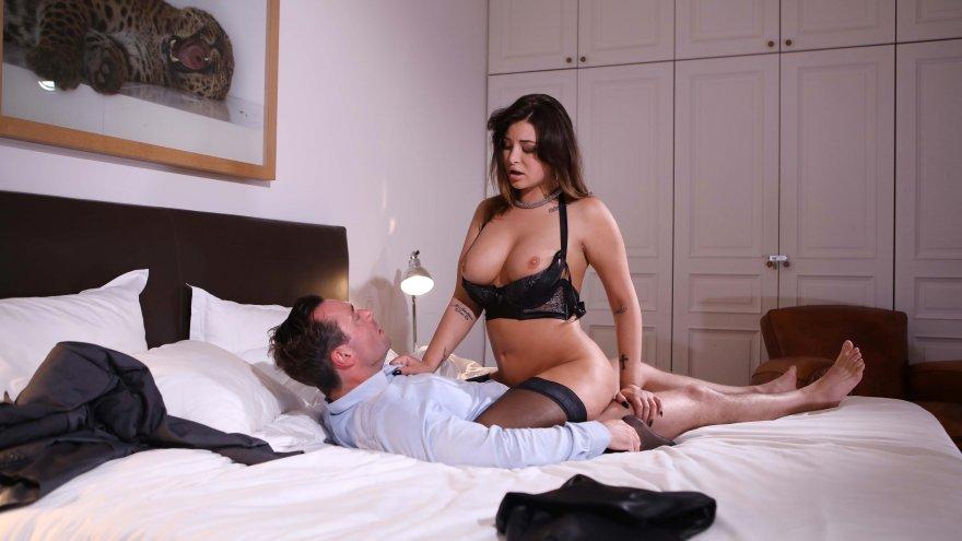 Luxure - Erziehung verheirateter Frauen